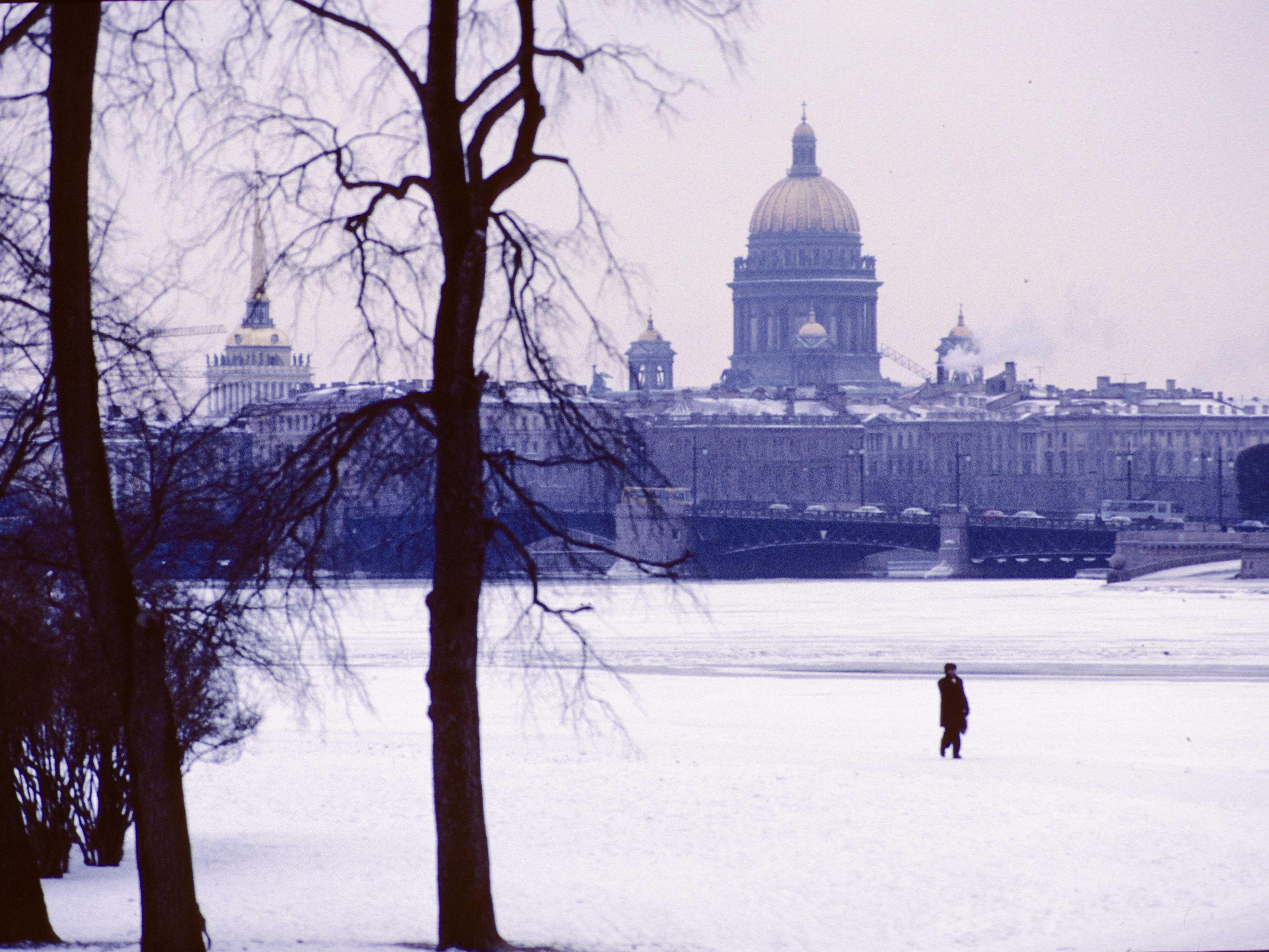 Frozen-Neva-River-in-Leingrad-1M